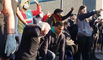 Pastor evangeliza en protestas de EE.UU y miles se entregan a Cristo